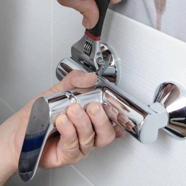 Bathrub faucet repair service